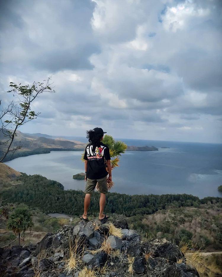 Salah Satu Spot di Bukit Cinta Labuan Bajo, sumber ig alfan_scooterholic