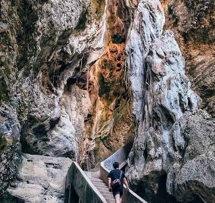 Berwisata Menikmati Keindahan Goa Batu Cermin Labuan Bajo