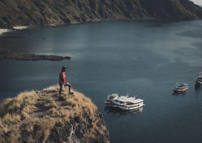 07. Menikmati indahnya bukit di Labuan Bajo
