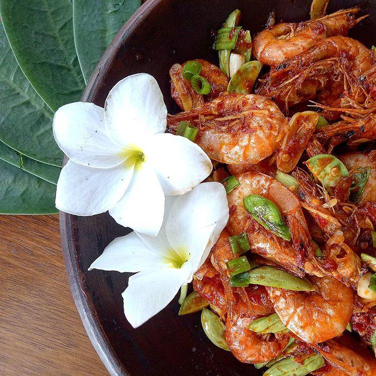 Kuliner Seafood Labuan Bajo, sumber ig treekitchen