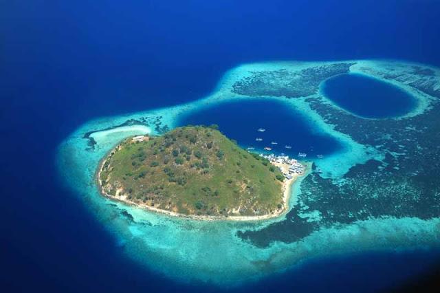 Pulau Bidadari Flores, sumber komodotour.co.id