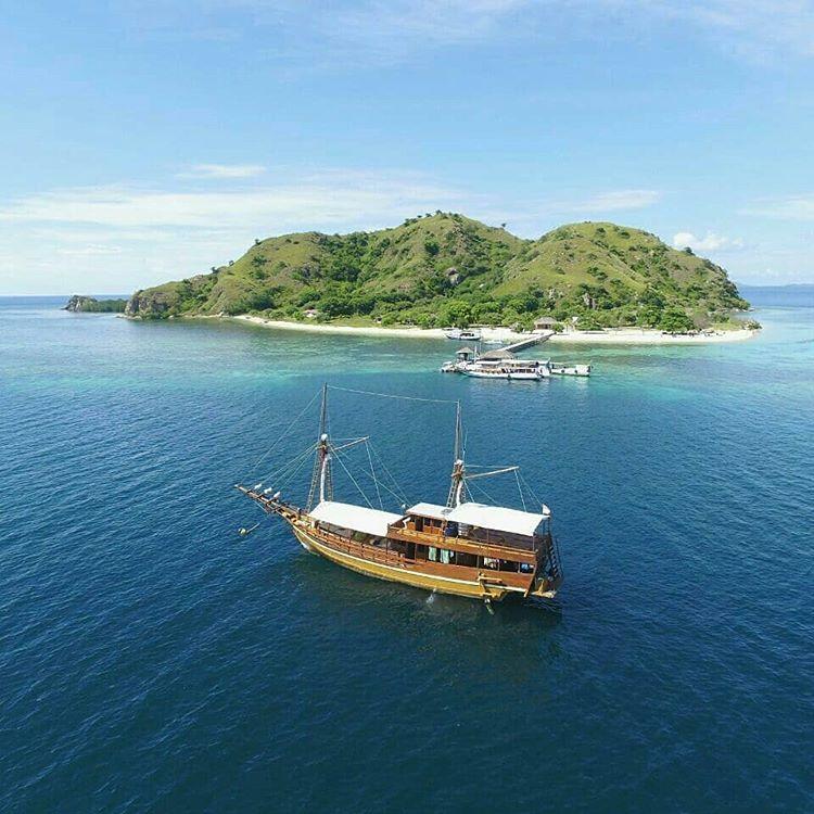 Kapal Wisata Labuan Bajo, sumber ig boatkomodotour