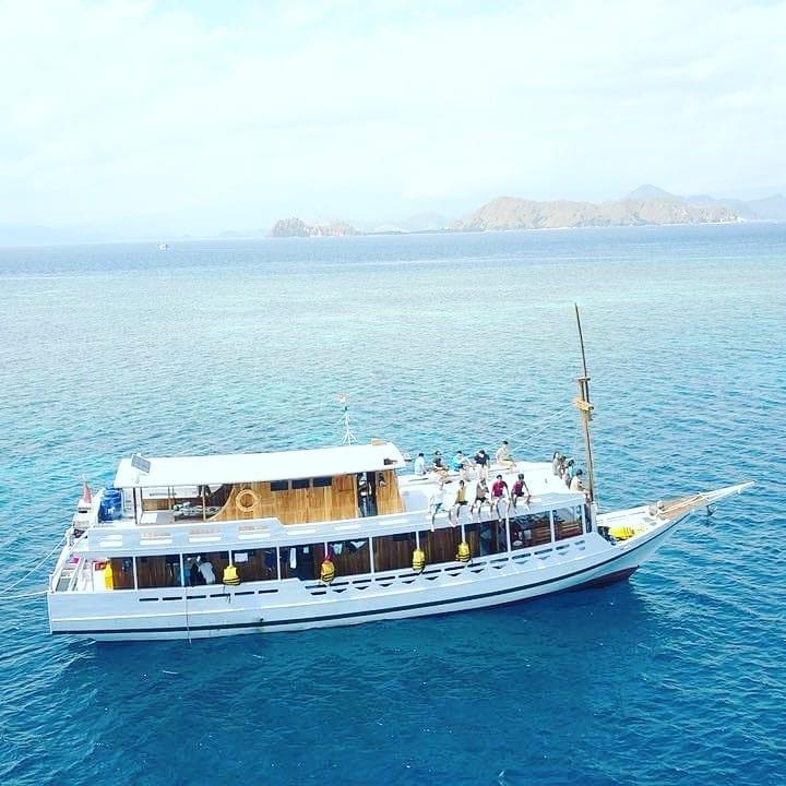 Sewa Kapal Labuan Bajo, sumber ig rentalboatkomodo