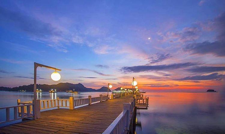 Spot Sunset di Dermaga Putih, sumber ig genpi_labuanbajo