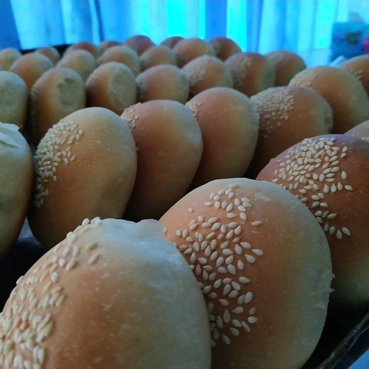 Roti Kompiang, sumber ig bakoelssnack