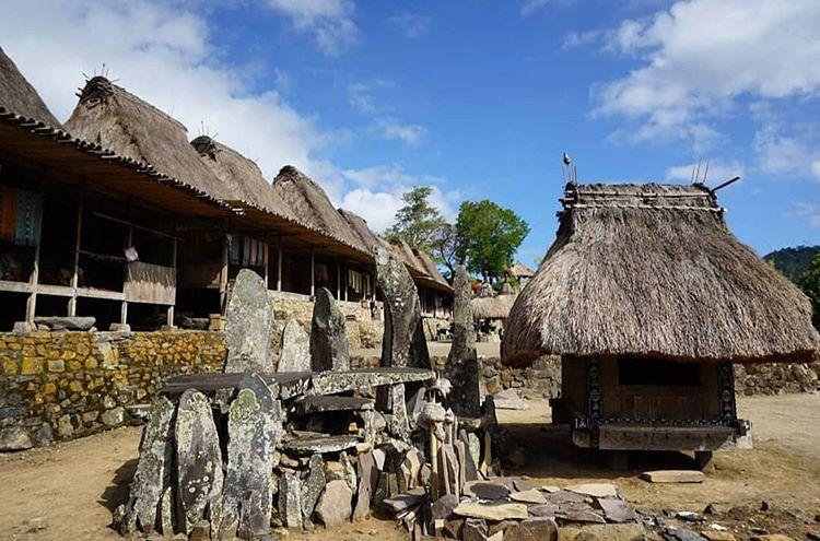 Rumah di Kampung Bena, sumber ig nusaflorestour