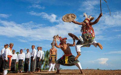 Tari Caci : Tarian Budaya Khas Labuan Bajo